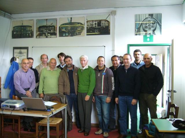 foto di gruppo al centro Bergomi